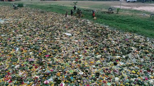 ซากกระทงสีฐานเฟสติวัลหนักกว่า6ตัน 99%ทำจากวัสดุธรรมชาติ