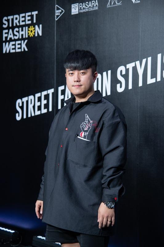"""มร. ซง แจ ซอก ดีไซเนอร์แบรนด์ """"ASIHA"""" จากสถาบัน Rasara Fashion College  กรุงโซล ประเทศเกาหลีใต้"""