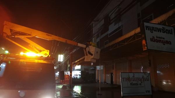 เกิดเหตุไฟลุกไหม้ไหม้สายเคเบิ้ล 3 จุด ในเขตเทศบาลเมืองประจวบฯ