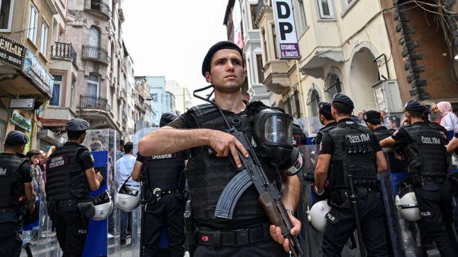 """ตุรกีปลด """"พ่อเมืองชาวเคิร์ด"""" เพิ่มอีก 4 คน กล่าวหาเอี่ยวกลุ่มก่อการร้าย"""