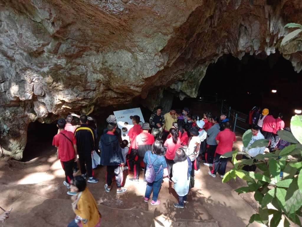 คนทั่วทิศทะลักเที่ยวถ้ำหลวงต่อเนื่อง หอฯแม่สายเปิดบริการรถรางรับส่งถึงหน้าด่านฯ