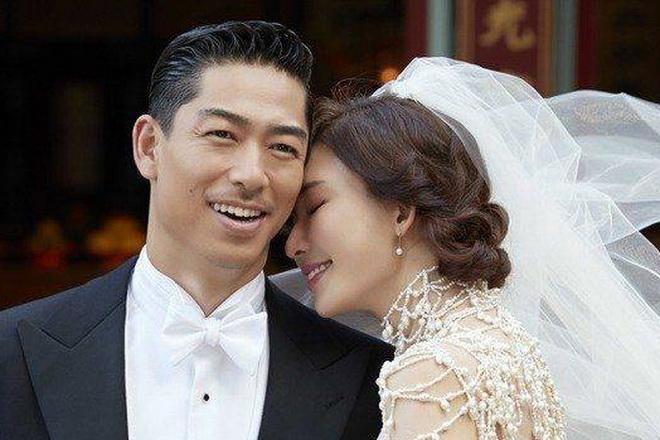 """""""แม่นางเสี่ยวเกี้ยว - ครูโอนิซึกะ"""" เข้าประตูวิวาห์! ผู้หญิงที่สวยที่สุดในไต้หวันแต่งงานแล้ว"""