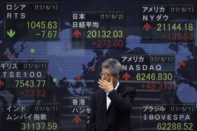 ตลาดหุ้นเอเชียผันผวน ขณะนักลงทุนจับตาการค้าสหรัฐ-จีน