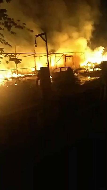 ไฟไหม้กลางดึก เผาวอดร้านอาหารป่าถนนเฉลิมพระเกียรติ ร. 9 ซอย 28