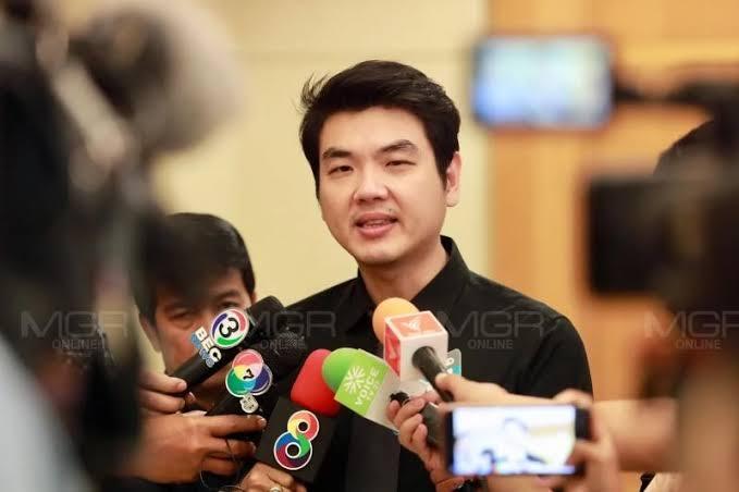 """""""ปิยบุตร"""" ชู """"ธนาธร"""" ยังเป็นแคนดิเดทนายกฯ จี้เลิกถ่ายหนังม้วนเก่า พร้อมสู่มรสุมทุกคดี"""