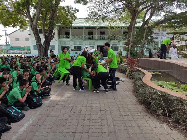 นักเรียนหญิงเกิดอุปทานหมู่ ขณะทำบุญในโรงเรียนที่หัวหิน