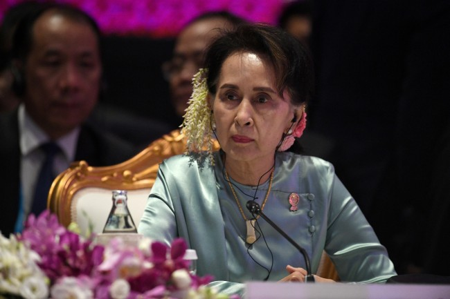 รัฐบาลพม่าเผย 'ซูจี' พร้อมนำคณะผู้แทนขึ้นศาลโลกสู้คดีล้างเผ่าพันธุ์โรฮิงญา