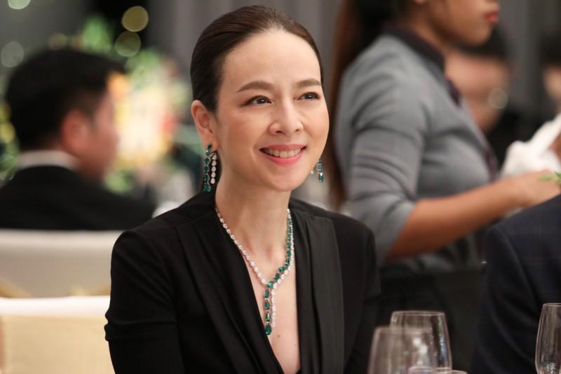"""""""มาดามแป้ง"""" คว้ารางวัลสตรีผู้ทรงอิทธิพลแห่งปี ในงาน Asia CEO Summit & Awards Ceremony"""
