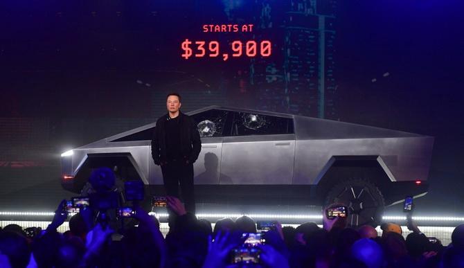 'อีลอน มัสก์'หน้าแตก!!รถกระบะไฟฟ้าของ'เทสลา'กระจกร้าวระหว่างเปิดตัวโชว์แกร่ง(ชมคลิป)