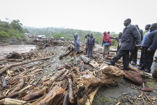 In Clip: ดับหลายสิบหลังน้ำท่วม-ดินถล่มในคองโก-เคนยา