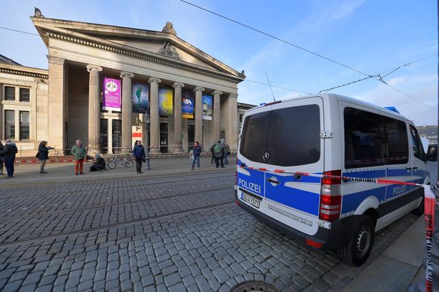 แก๊งโจรปล้นสมบัติในพิพิธภัณฑ์เมืองเบียร์ กวาดไปนับพันล้านยูโร
