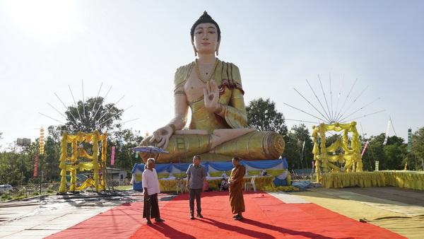 อลังการ! พระพุทธรูปไม้ไผ่สานใหญ่สุดในไทย ที่วัดป่าหนองโง้ง