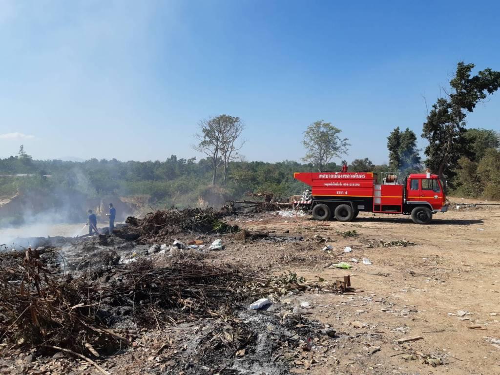 คุกรุ่นร่วม 30 ชม.แล้ว..ไฟไหม้บ่อขยะเทศบาลฯลำปาง ควันไฟลอยคลุ้งกระทบชาวบ้าน
