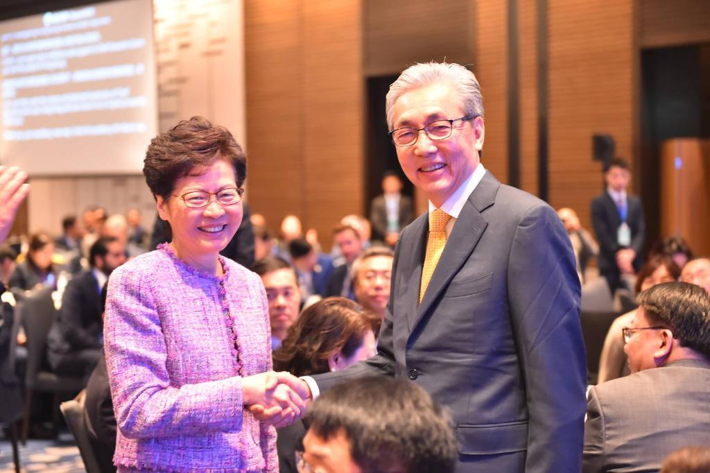 """ผู้นำหญิงฮ่องกง เตรียมพบ """"บิ๊กตู่-สมคิด"""" พรุ่งนี้ พร้อมลงนาม MOU 6 ฉบับ"""