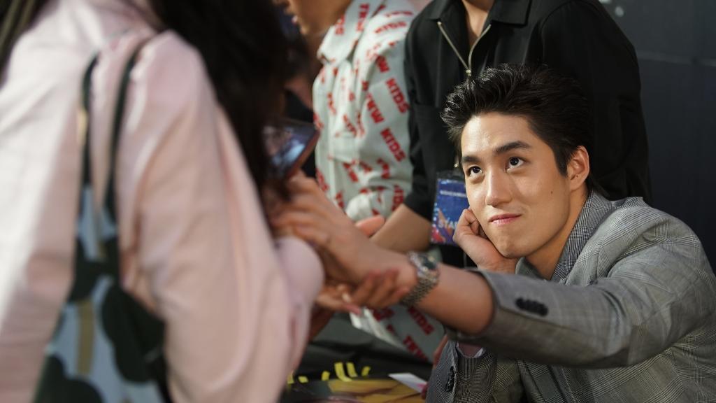 """นักแสดงนาดาว ร่วมเซ็นปฏิทิน สุด Exclusive ในงาน """"Nadao Bangkok Fansign 2019"""""""