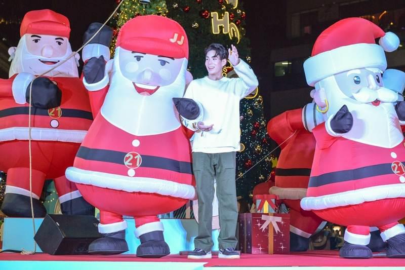3 หนุ่มสุดฮอต เจเจ-แบงค์-กัปตัน ร่วมออกแบบคาแรกเตอร์เหล่าซานต้าสุดน่ารัก