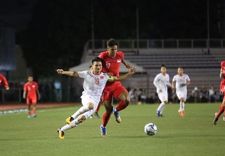 """""""เวียดนาม"""" เฉือนหวิว """"สิงคโปร์"""" 1-0 ขอเสมอเกมหน้า เขี่ย """"ไทย"""" ตกรอบทันที"""
