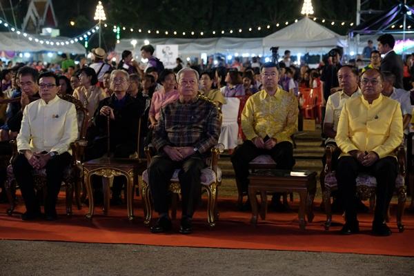 """มรภ.เพชรบุรีสืบสานศิลปวัฒนธรรมนานาชาติ """"รวงข้าวสีอำพัน มหัศจรรย์สู่มิตรภาพ"""""""