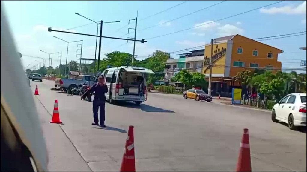 สลด!หนุ่มลำปางบึ่งบิ๊กไบค์เจอปิกอัพเลี้ยวข้ามถนนชนตูมดับ 1 สาหัส 1