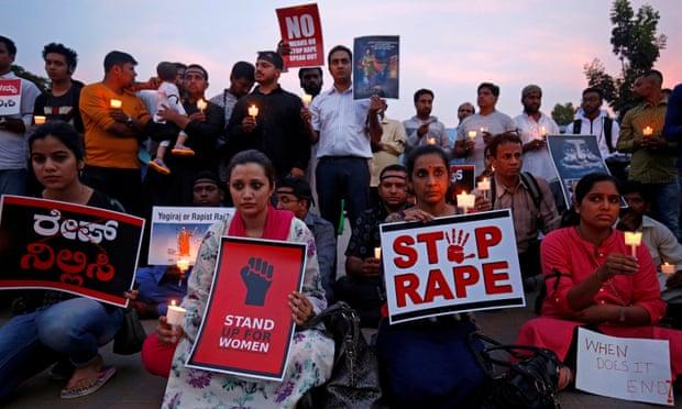 หญิงอินเดียโดนเผาทั้งเป็น ขณะเดินทางไปให้การในคดีถูกข่มขืน