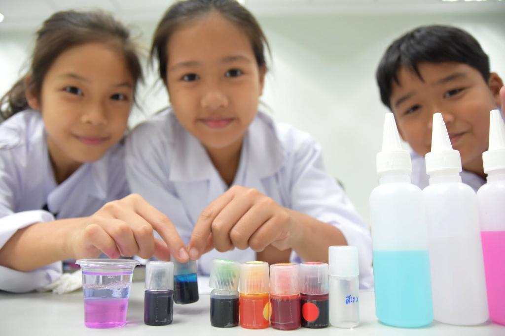 """ปลื้ม """"บ้านวิทยาศาสตร์สิรินธร"""" เป็นตัวแทนเอเชียเสนอการพัฒนากิจกรรมเยาวชนที่เยอรมนี"""