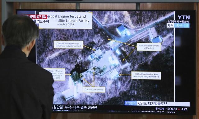 """In Clip: เกาหลีเหนือ """"ทดสอบครั้งสำคัญ"""" ในสถานียิงขีปนาวุธระยะไกลที่ทำลายไปแล้ว"""
