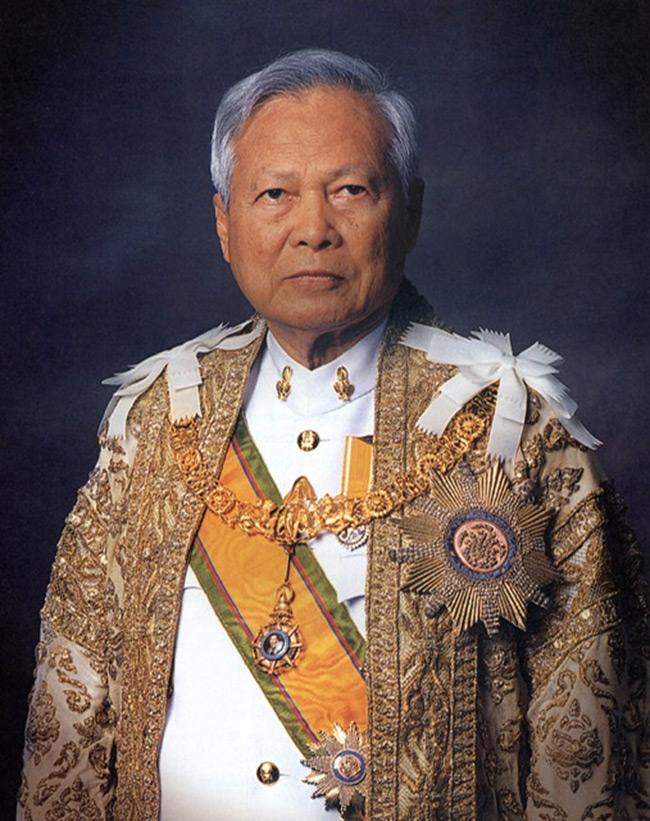 ประชาธิปไตยครึ่งใบในมือป๋ากับก้าวกระโดดแห่งการพัฒนาประเทศไทย