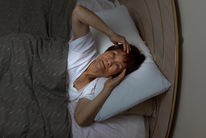 """""""อบไอน้ำสมุนไพร-ยาหอมเทพจิตร"""" ช่วยแก้ปัญหา """"สตรีวัยทอง"""" นอนไม่หลับ"""