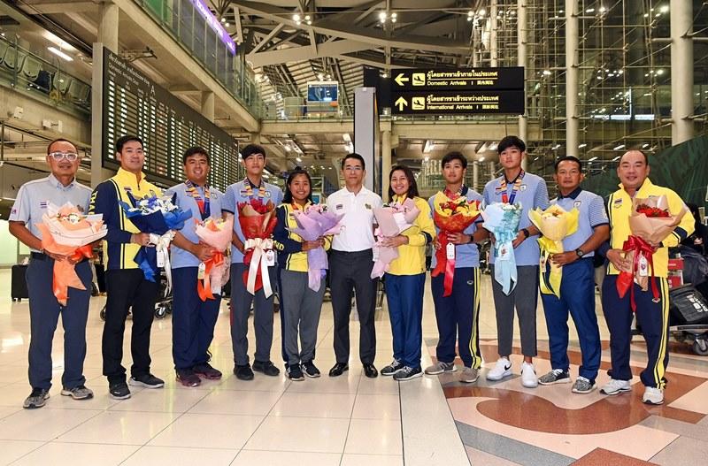 นักกอล์ฟทีมชาติกลับถึงไทยหลังคว้า 6 เหรียญซีเกมส์