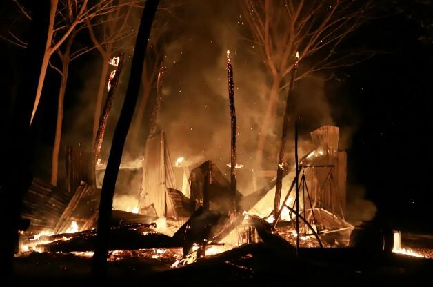 สุดสลด! ไฟคลอกสาวออทิสติกวัย 15 ปีดับคากองเพลิง หลังไฟไหม้บ้านพักในสวนยางฯ