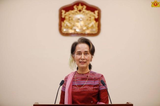 'ซูจี' ออกทีวีขอบคุณชาวพม่าบอกเป็นกำลังสำคัญสู้คดีฆ่าล้างเผ่าพันธุ์ศาลโลก