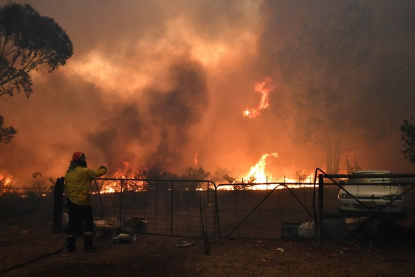 ออสเตรเลียเจอคลื่นความร้อนซ้ำเติม ผวา 'ซิดนีย์' ถูกไฟป่าขนาบ 3 ด้าน-ยังคุมไม่อยู่
