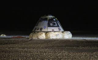 """""""สตาร์ไลเนอร์"""" ของโบอิงลงจอดสำเร็จ แม้พลาดไม่ได้เชื่อมต่อสถานีอวกาศ"""