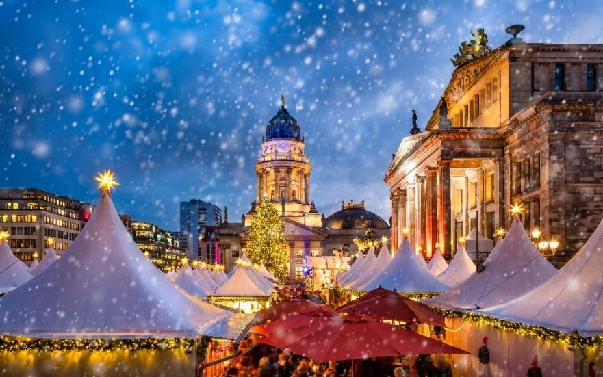 ตลาดคริสต์มาสจตุรัสเก็นดาร์เม็นมาร์ก เบอร์ลิน