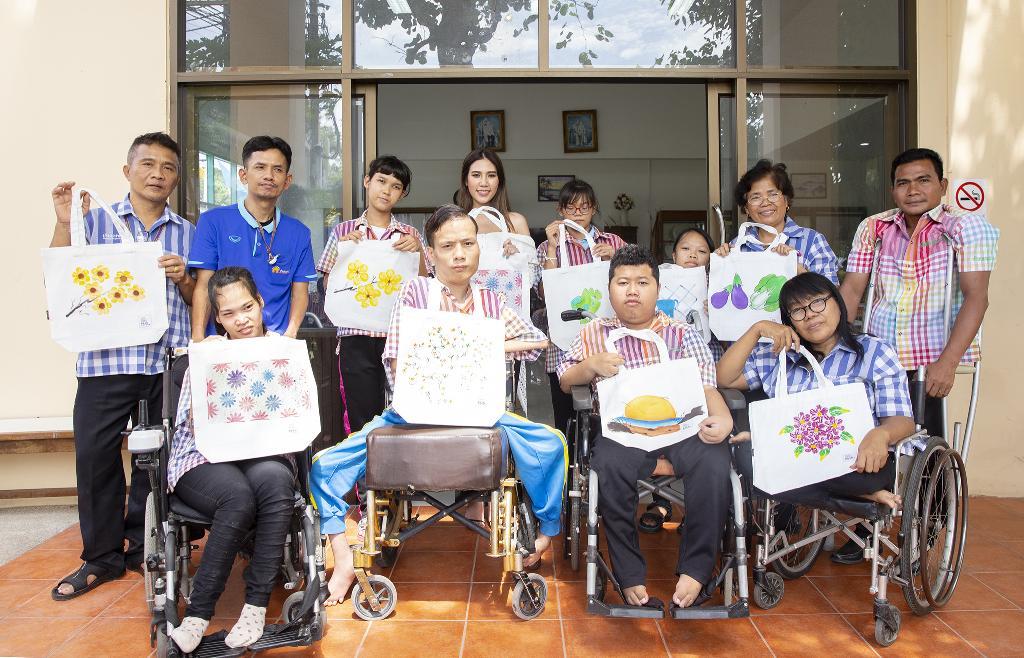 ซาบีน่าจัดแคมเปญ Painted with Love ชวนลูกค้ารับถุงผ้าฝีมือผู้พิการบ้านนนทภูมิ