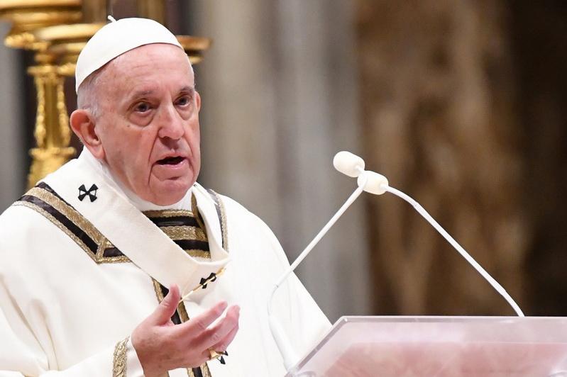 โป๊ปนำสวดมิสซา 'คริสต์มาสต์อีฟ' วอนผู้คนอย่าปฏิเสธความรักจากพระเจ้า แม้ 'คริสตจักร' ทำผิดพลาด