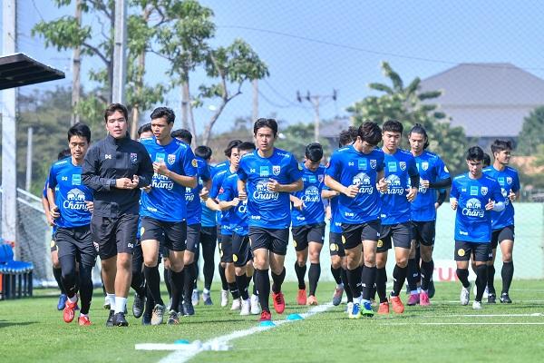 """""""นิชิโนะ"""" ปล่อยแข้ง """"ช้างศึก"""" U23 แยกย้าย ก่อนคัมแบ็ครวมตัวปีใหม่"""