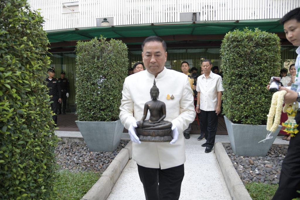 กทม.อัญเชิญพระพุทธนวราชบพิตรประดิษฐานศาลาว่าการฯ