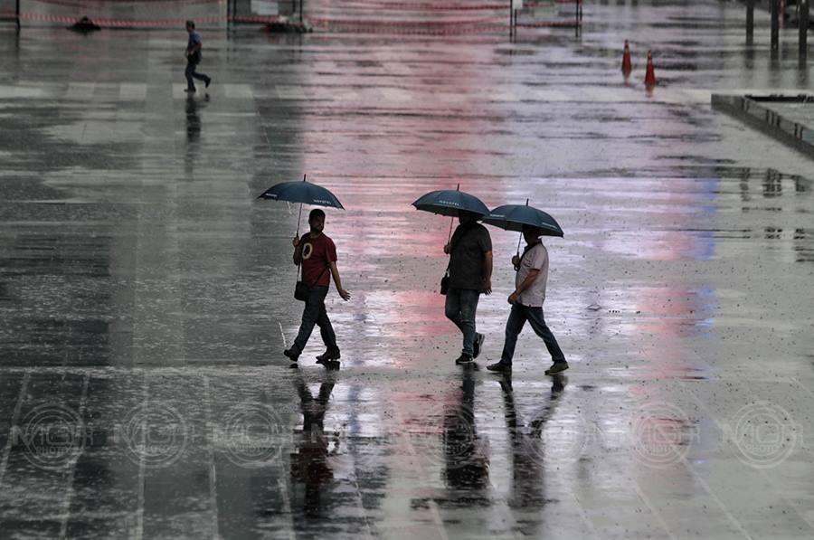 เตือน! 3-5 ม.ค. อากาศแปรปรวน เหนือตอนบน ฝนฟ้าคะนอง-ลมกระโชกแรง ใต้คลื่นสูงเกิน 3 ม.