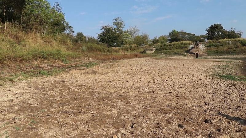 8หมู่บ้านทุกข์หนักน้ำพาวแห้งติดก้นอ่าง สั่งงดทำเกษตรทุกชนิด