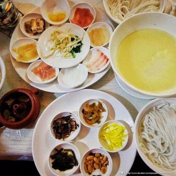 กินอร่อยกับอาหารยูนนาน 2-3 อย่าง