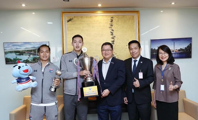 ปตท. ร่วมแสดงความยินดีกับ นักฟุตซอลทีมชาติไทย