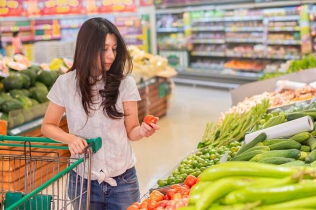 แม่โจ้โพลล์ เผยคนไทยร้อยละ 86.89  ซื้อผักและผลไม้จากตลาดสด  แต่ยังไม่มั่นใจต่อความปลอดภัย (จาก 3 สารเคมี) ถึงร้อยละ 79.31