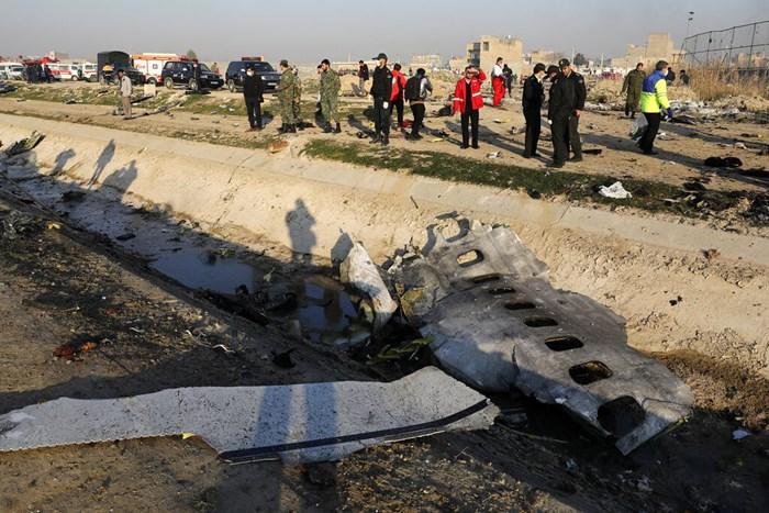 <i>เศษซากของเครื่องบินโดยสารยูเครน ซึ่งตกเมื่อวันพุธ (8 ม.ค.) ไม่นานหลังทะยานขึ้นจากท่าอากาศยานแห่งหลักของกรุงเตหะราน เมืองหลวงอิหร่าน  </i>
