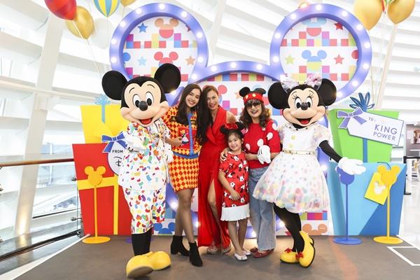 มิคกี้- มินนี่  ขวัญใจเด็กๆทั่วโลกร่วมมอบความสุข เนื่องในวันเด็กแห่งชาติ