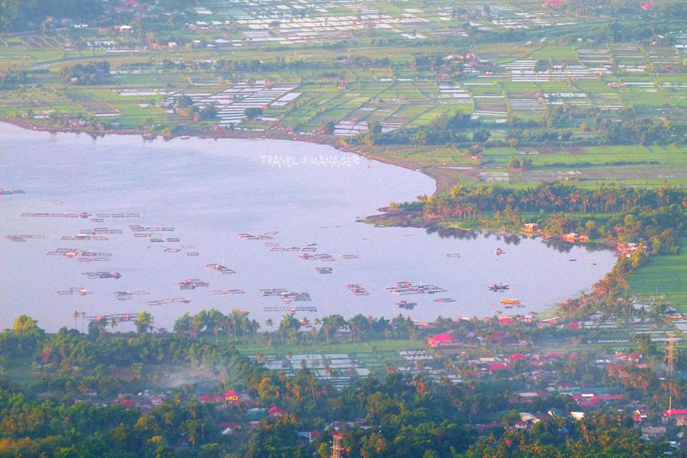 ทะเลสาบตาอัลกับทัศนียภาพรอบ ๆ