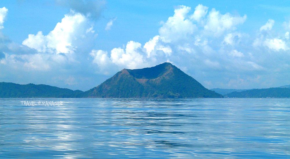 ภูเขาลูก ที่เป็นดังสัญลักษณ์ของภูเขาไฟตาอัล