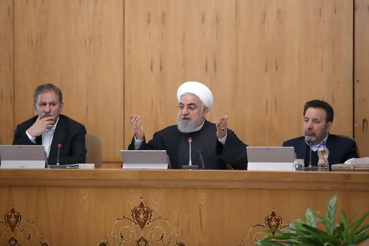 ประธานาธิบดีอิหร่านปราศรัยเรียกร้องประเทศ'ปรองดอง'  พร้อมตอกกลับมหาอำนาจยุโรปผิดสัญญา'นิวเคลียร์'ก่อน