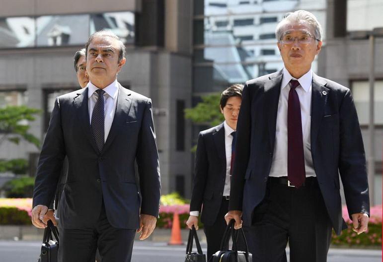 ทนายชาวญี่ปุ่นของ 'กอส์น' ประกาศถอนตัว หลังอดีตบอสนิสสันหนีคดี