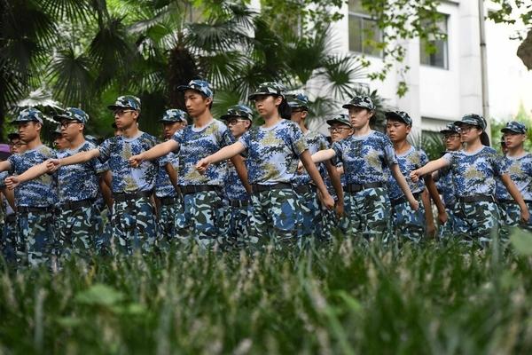 จีนจะปรับเปลี่ยนช่วงเวลาเกณฑ์ทหารจากปีละ 1 ครั้ง เป็นปีละ 2 ครั้ง โดยเริ่มตั้งแต่ปี 2020 เป็นต้นไป (แฟ้มภาพซินหวา สื่อทางการจีน)